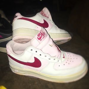 """NIKE AIR FORCE 1's Limited Edition""""The Rose Parade"""